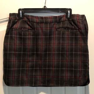 💁🏼‍♀️ GAP plaid skirt size 8